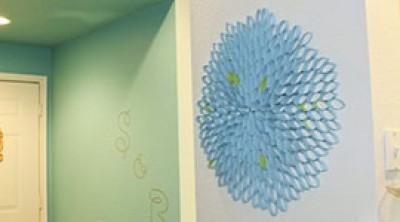 Как украсить стенку родными руками