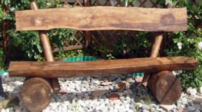 Садовая лавочка своими руками | скамейки из бревен фото