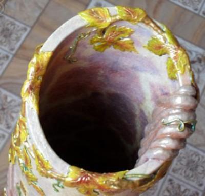 Благовидная напольная ваза родными руками