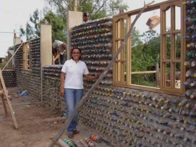 Стройка дома построенные из пластмассовых бутылок