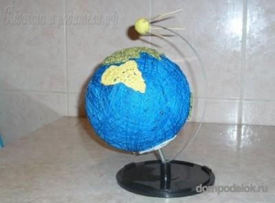 Модель Света со спутником