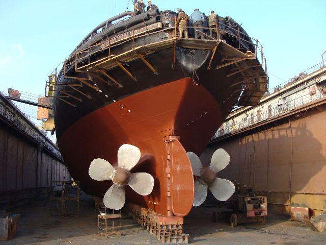 Как ремонтируют большие суда
