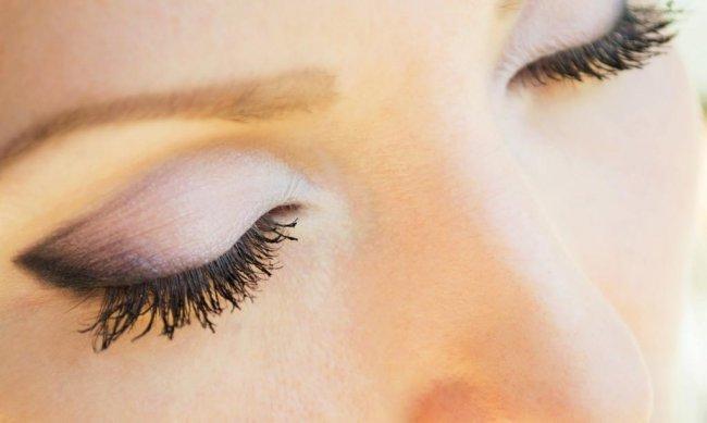Как сделать красивый макияж глаз.